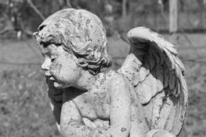 miscarriage: angel statue representing miscarriage